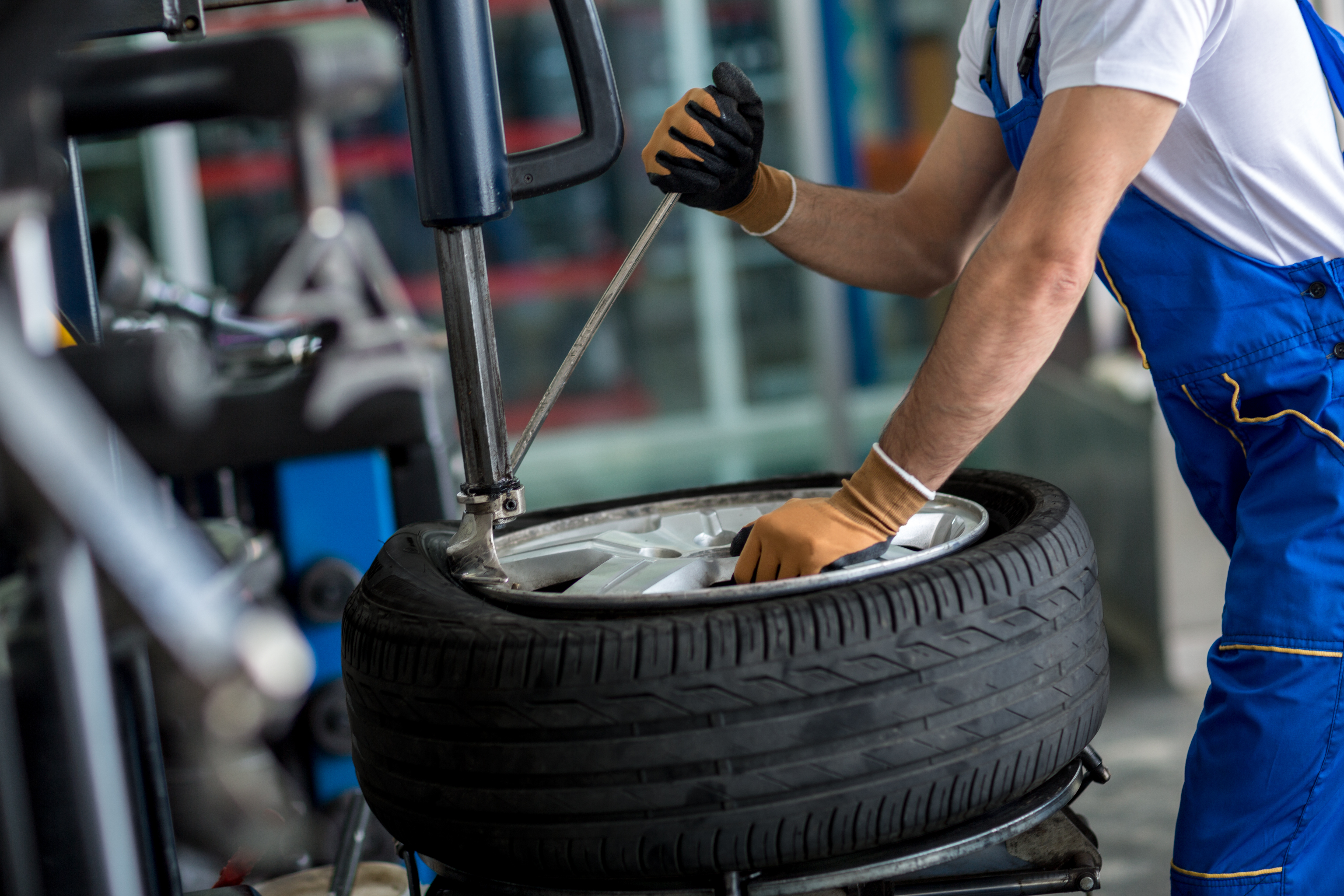 4 Bold Auto Tire Marketing Campaigns to Use as Inspiration