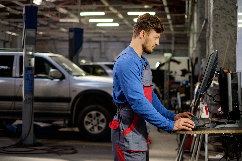 3 Features Your Auto Shop Management Software Needs